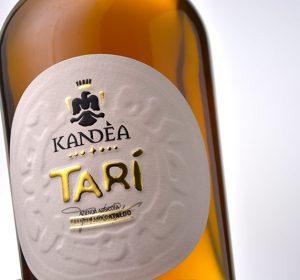 <span>Etichetta Passito Tarì  Kandea</span><i>→</i>